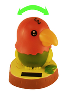 Попугай на торпеду / поворачивает голову на солнечной батарее